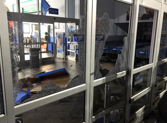 ВСеверной Каролине встычках сучастниками протеста ранены 12 полицейских