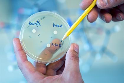 Ученые поведали обопасности антибиотиков для детей
