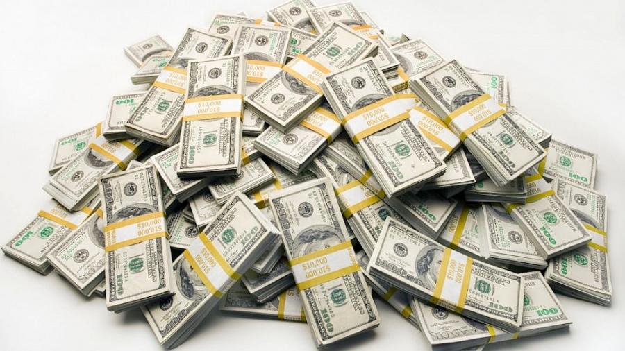 Ученые доказали, что деньги делают людей несчастными