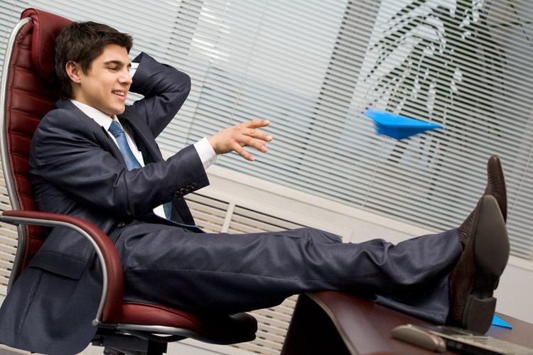 Ученые поведали, как молодой начальник может поднять собственный авторитет