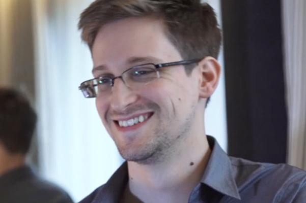 Сноуден опроверг слухи о собственной смерти цитатой великого жителя Америки