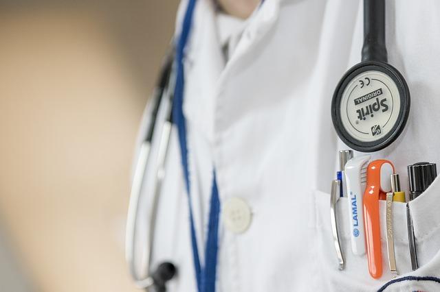 Учёные узнали, что артериальное давление падает за14 лет досмерти