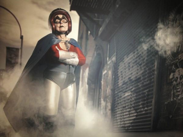Фотографии 91-летней бабушки-супергероя покорили интернет ПАРИЖ, 7 июня...