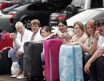 Туроператор отмечает, что все туристы, которые в настоящее время находятся за рубежом, обеспечены обратными билетами