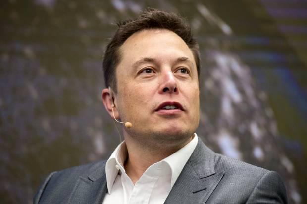 Илон Маск предостерег людей, что ихрабочие места займут роботы