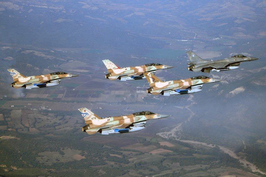 Израиль атаковал позиции сирийской артиллерии вответ наминометный обстрел