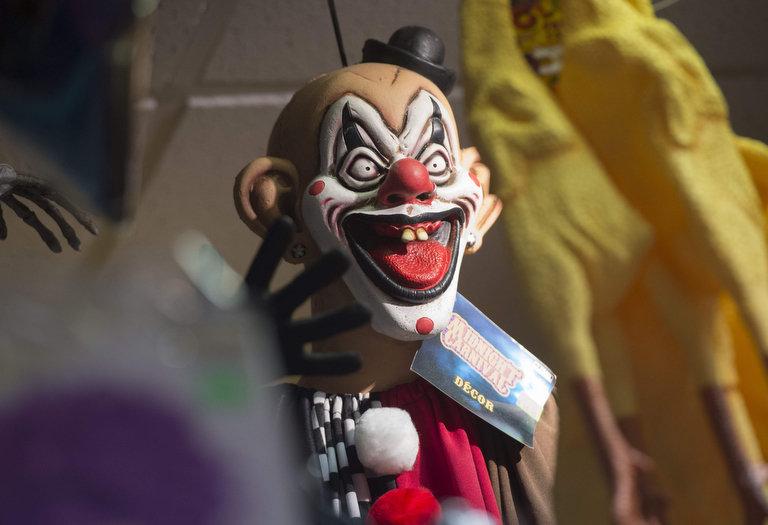 ВАнглии распространилась мода на«жутких клоунов»