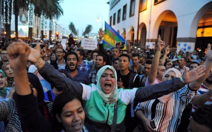 ВМарокко прошли акции протеста после погибели торговца рыбой