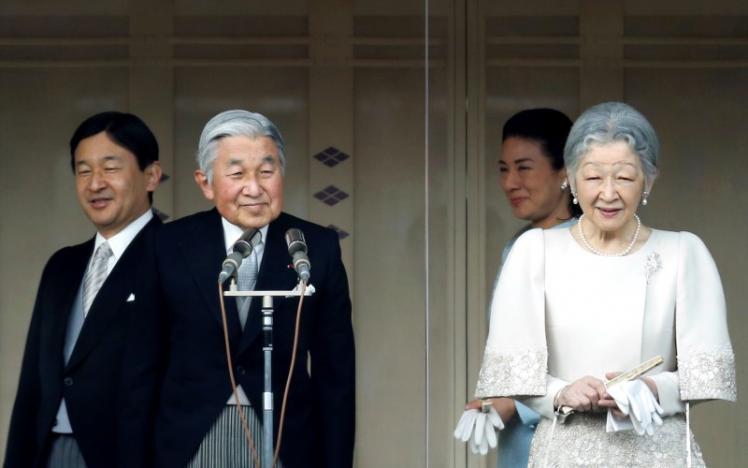 Император Японии отречется отпрестола в 2018