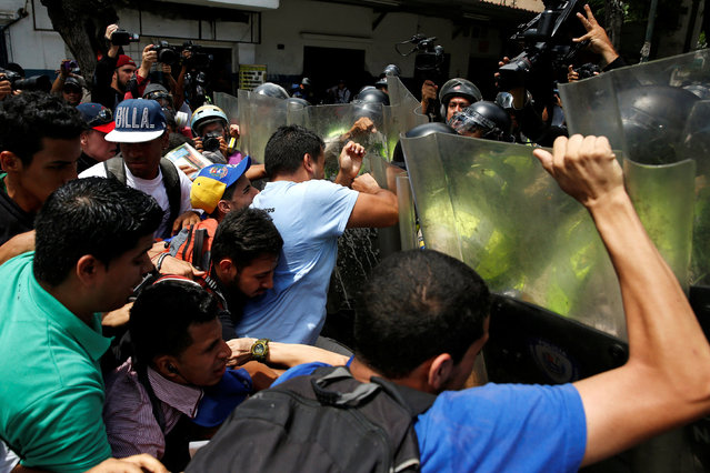 ВВенесуэле узники переполненной тюрьмы съели сокамерника впроцессе бунта
