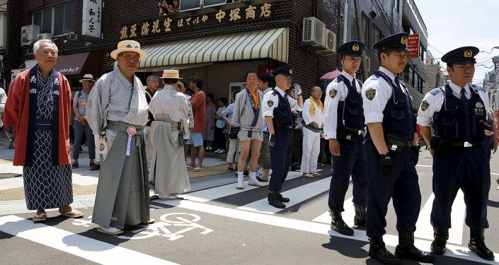 ВЯпонии арестован заставлявший туристов убираться вномерах хозяин отеля