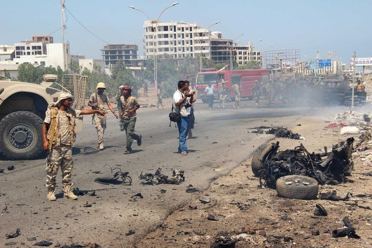 При взрыве вйеменском Адене погибли одиннадцать человек