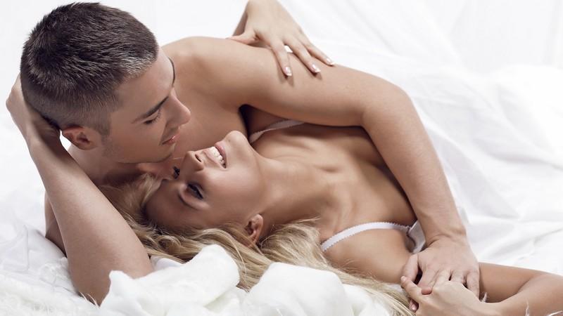 Ученые: Крепкий сон способствует качественной половой жизни женщин