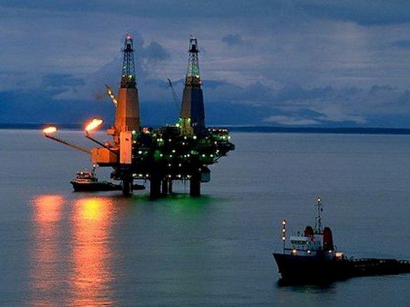 ВКаспийском море отыскали тело одного из 10-ти азербайджанских нефтяников