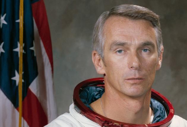 Скончался последний побывавший наЛуне астронавт