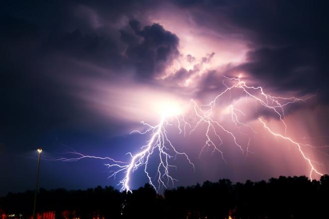 Метеорологи отыскали самую длинную молнию