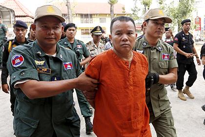 В Камбодже осужден врач, заразивший ВИЧ более 200 человек
