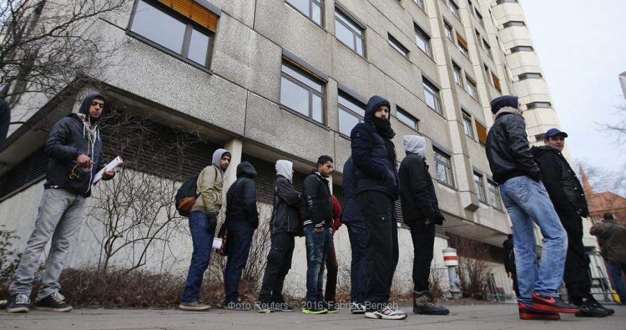 Молодых людей изцентра для беженцев вДании подозревали впроституции