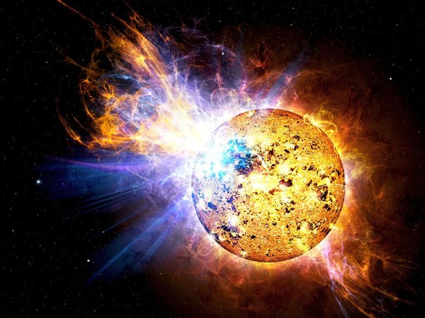 SOHO зафиксировал комету, атакующую Солнце