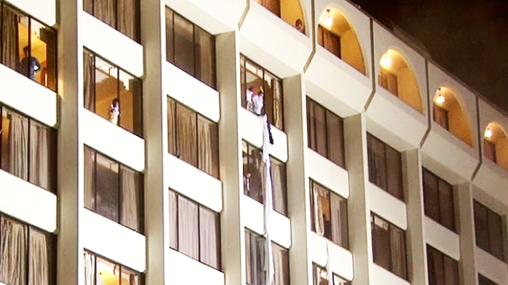 Врезультате сильного возгорания впакистанском отеле погибли 11 человек