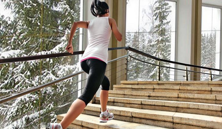Ученые: Полчаса ходьбы полестнице внеделю усиливают сердце