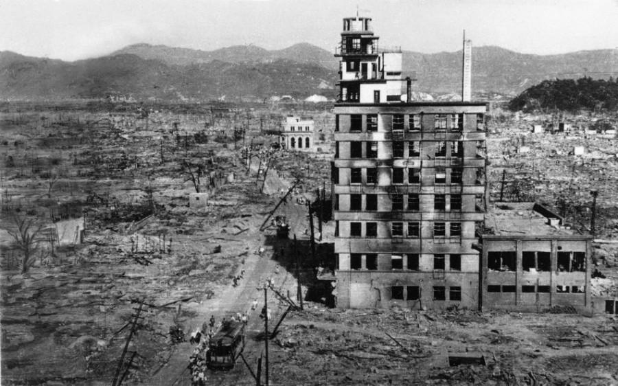 ВЯпонии почтили память жертв атомной бомбардировки Хиросимы