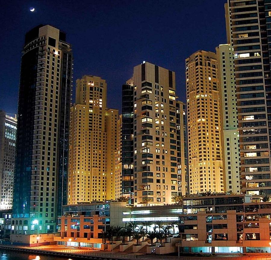 Власти Дубая: в пожаре в небоскребе пострадали 16 человек
