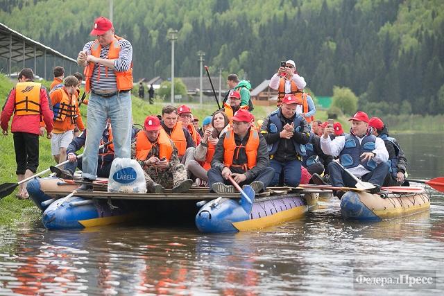 на лодке по реке чусовая